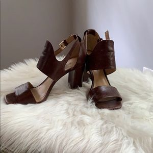Banana Republic thick heel sandals